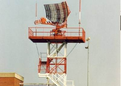 HISTORY-Old_radar_antenna_01