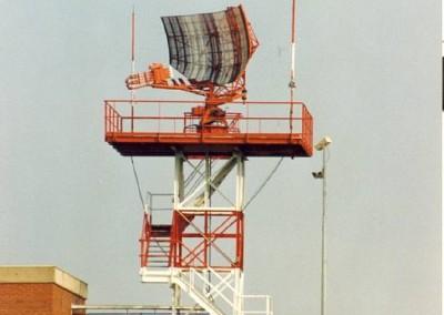 HISTORY-Old_radar_antenna_01
